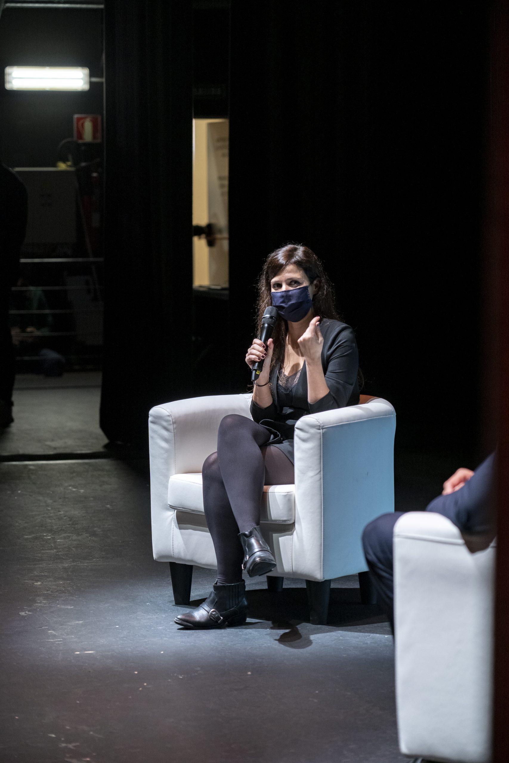 CADEC inicia sus jornadas con el aforo al completo en el marco del Teatro Leal
